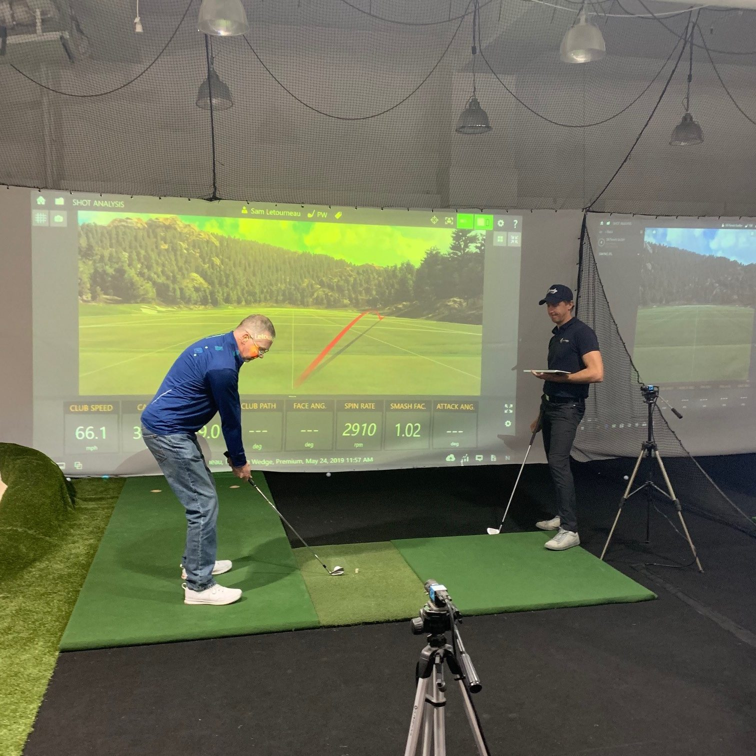 Golf simultor
